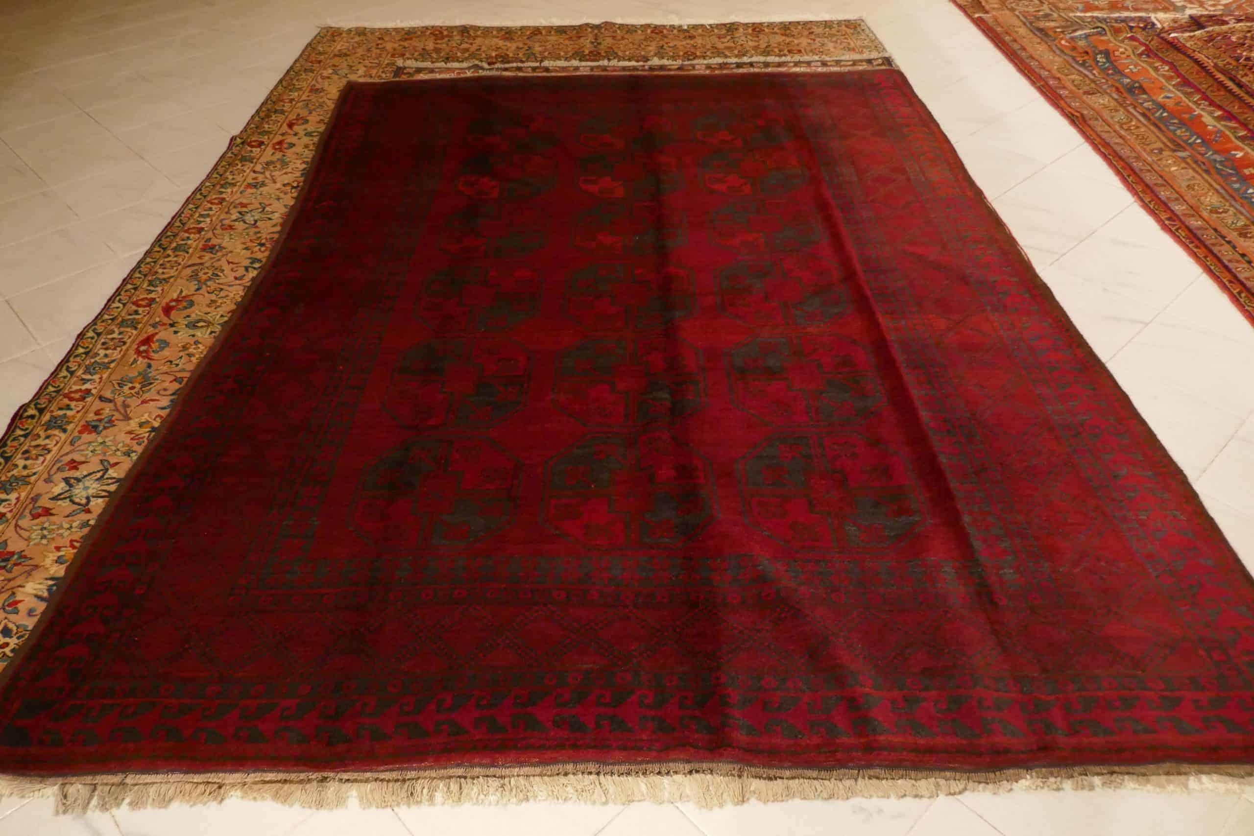 tappeto bukhara Ersari rosso oscuro