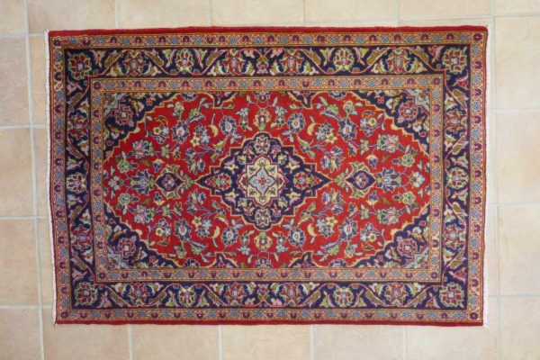 piccolo tappeto Keshan rosso
