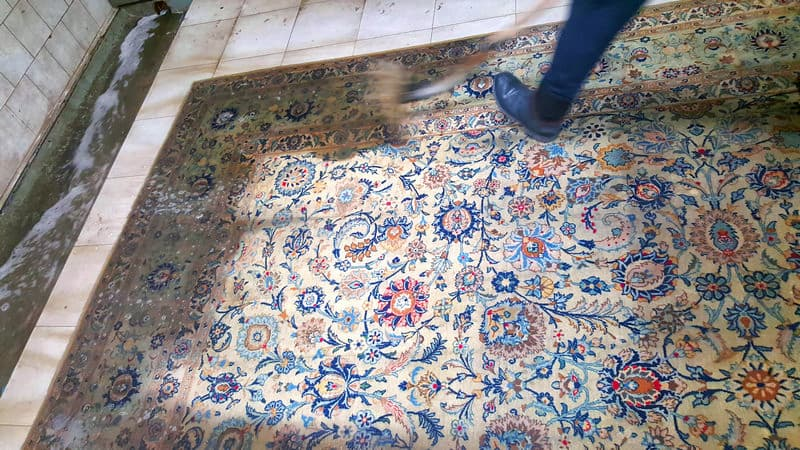 Il lavaggio del tappeto pregiato