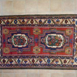 tappeto con due madaglioni a fiori