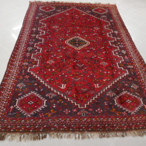 tappeto rosso geometrico