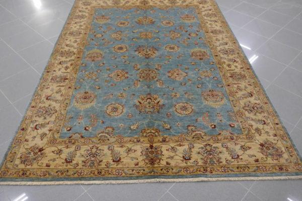 tappeto azzurro chiaro