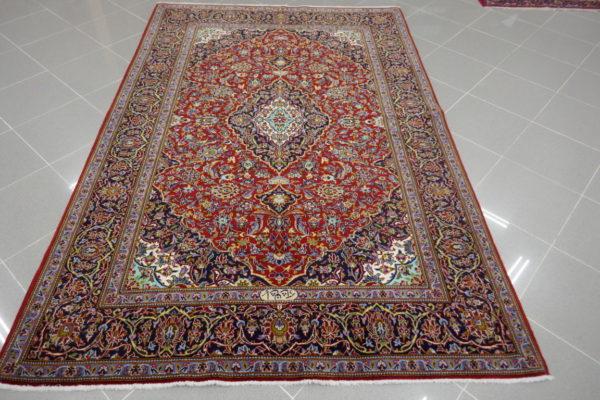 tappeto persiano classico rosso