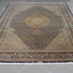 Tappeto persiano tabriz con disegno piccolo