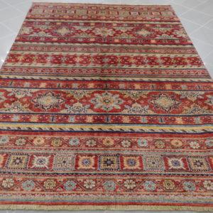 tappeto geometrico rosso