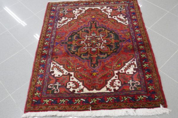 piccolo tappeto quadrato