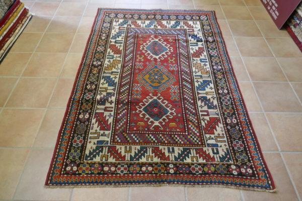 tappeto kazak fondo rosso