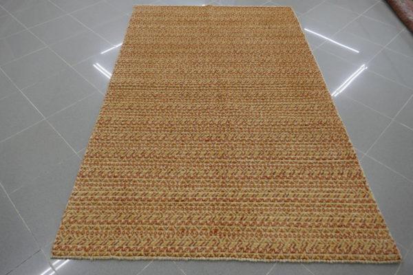 tappeto moderno fondo beige