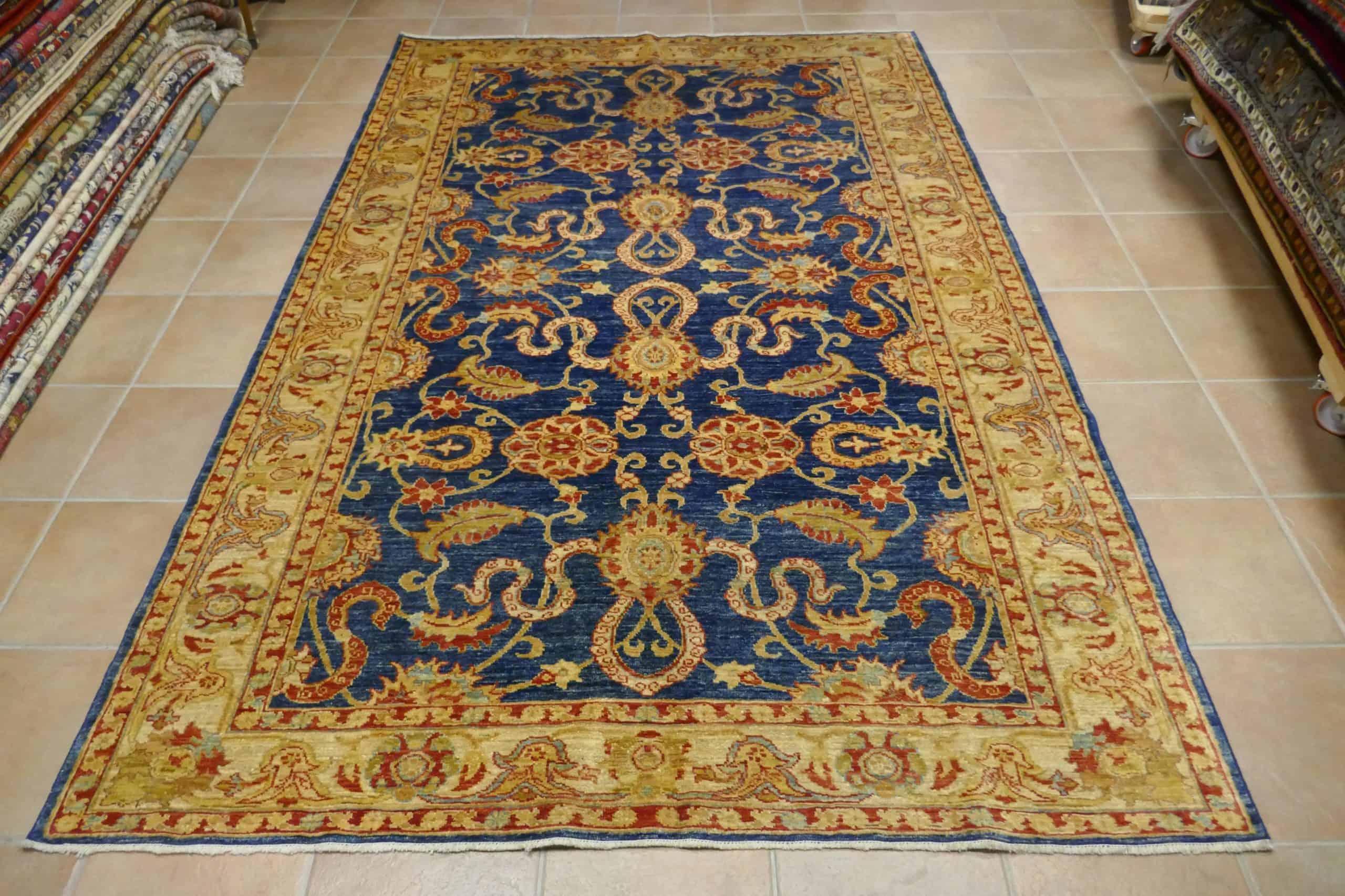 tappeto elegante blu ed oro