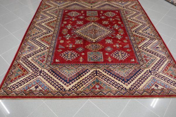 tappeto quadrato rosso