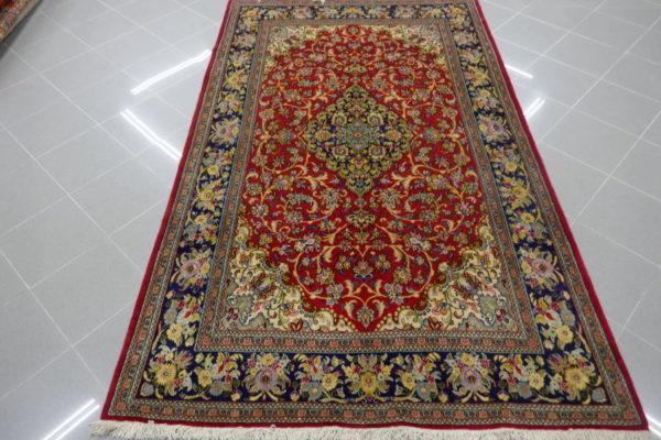 tappeto rosso floreale kum