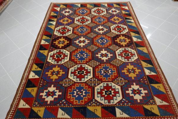 tappeto mogan geometrico e vivace