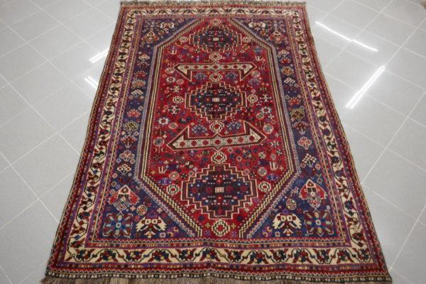 tappeto gashgai rosso e blu