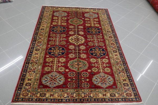 tappeto uzbek rosso