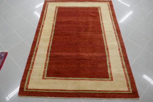 tappeto moderno bordeaux