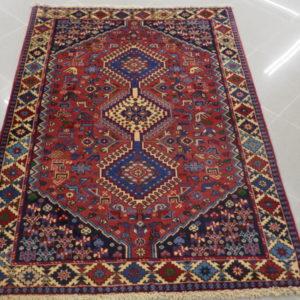 tappeto yalameh rosso e blu