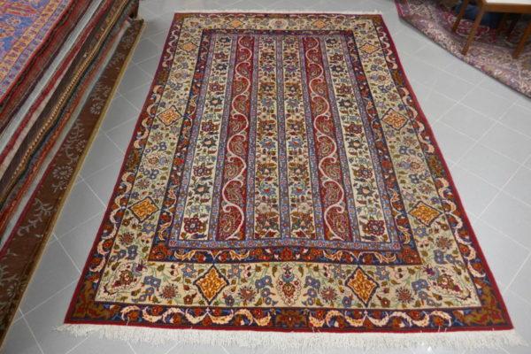 tappeto isfahan da sala disegno moharramat