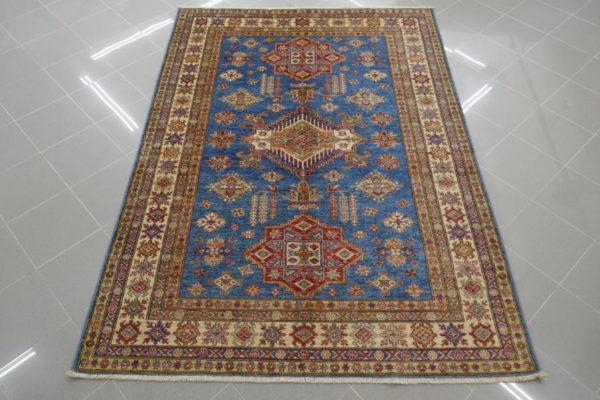 tappeto kazak azzurro da salotto