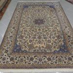 tappeto persiano nain da sala color beige,grigio e azzurro