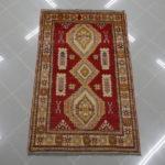 tappeto uzbek rosso e giallo