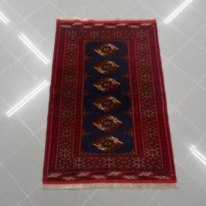 piccolo tappeto bukhara rosso blu