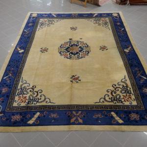 antico tappeto decorativo cinese fondo chiaro