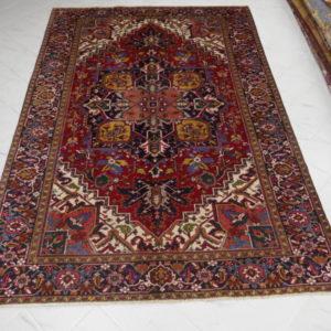 antico tappeto heriz da sala