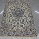 piccolo tappeto nain 9 fili fondo chiaro