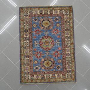 piccolo tappeto kazak celeste