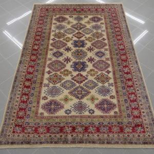 tappeto kazak fondo avorio da sala